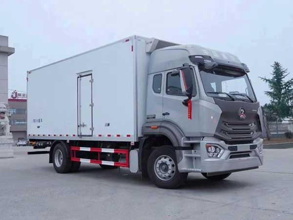 新款德龙K3000_4.2米冷藏车高品质