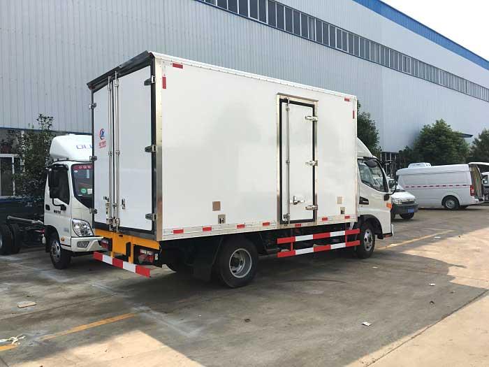 [热门车型]骏铃V6_4.2米冷藏车改装厂