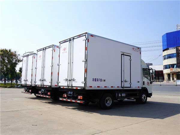 陕汽德龙K3000_4.2米冷藏车改装厂 质量好 现车
