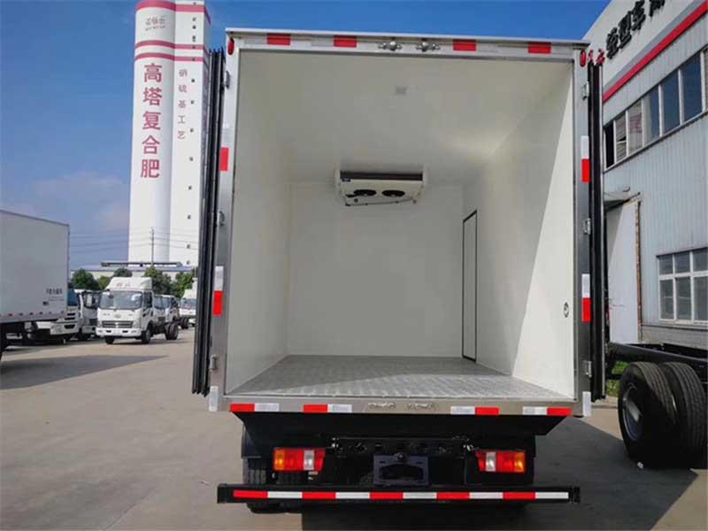 [推薦車型]重汽豪沃4.2米冷藏車首選車型