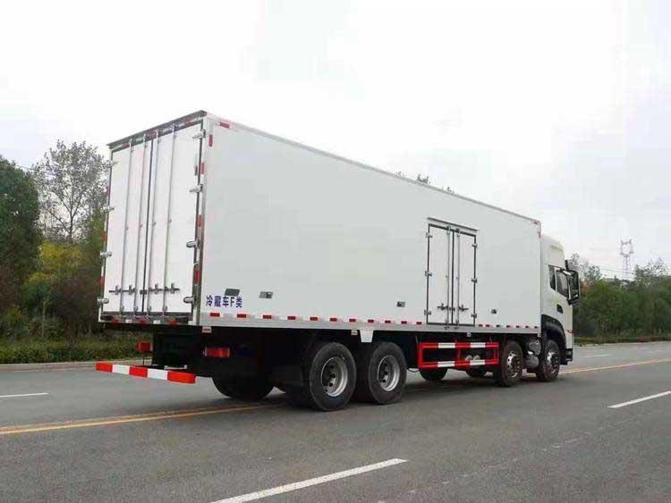 新款东风天龙KL9.6米冷藏车全国质保