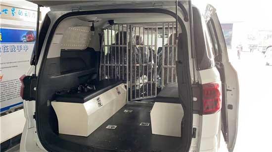 看守所囚車14人座囚車上汽大通G20囚車多少錢-哪里買-價格表