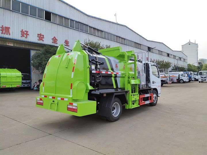 新款最新东风多利卡D6_5方餐厨垃圾车改装厂
