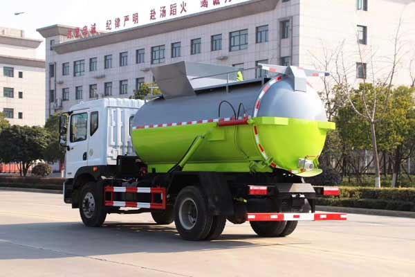 新款多利卡D9_10方餐厨垃圾车有售