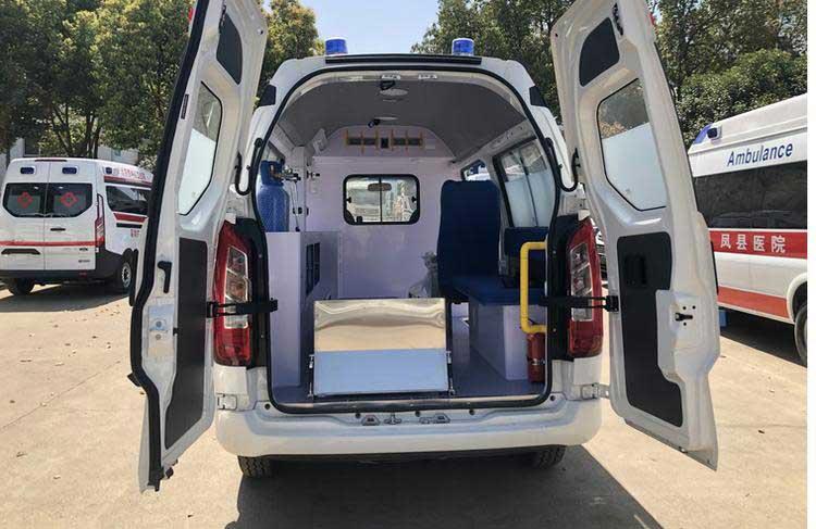 金杯海狮王转运型救护车首选车型