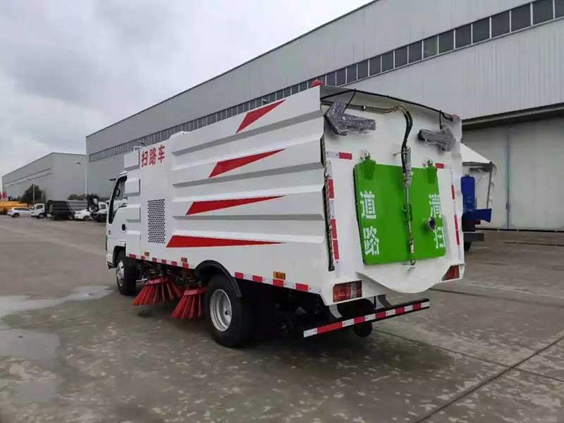 慶鈴五十鈴5.5方掃路車全國質保 多少錢一輛 功能齊全