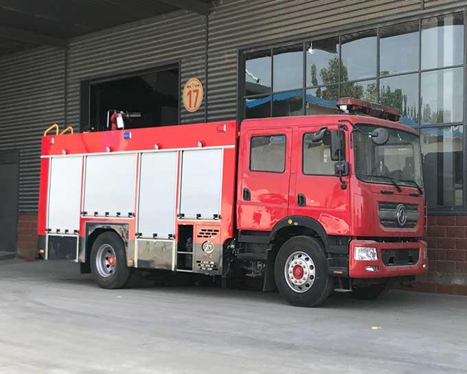 多利卡D9_8方水罐消防車報價