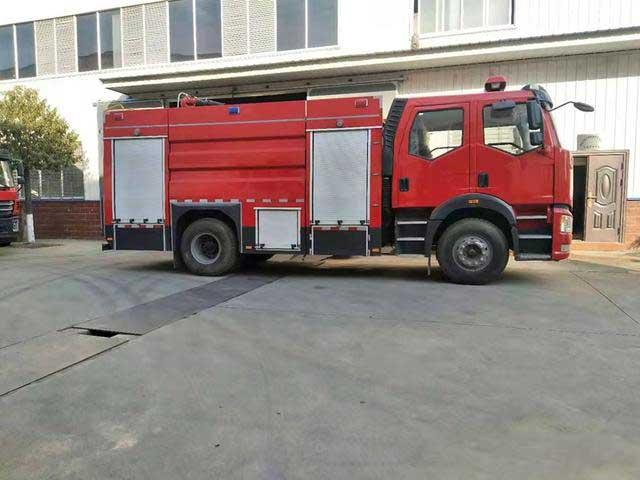 國6J6雙排8噸泡沫消防車功能齊全