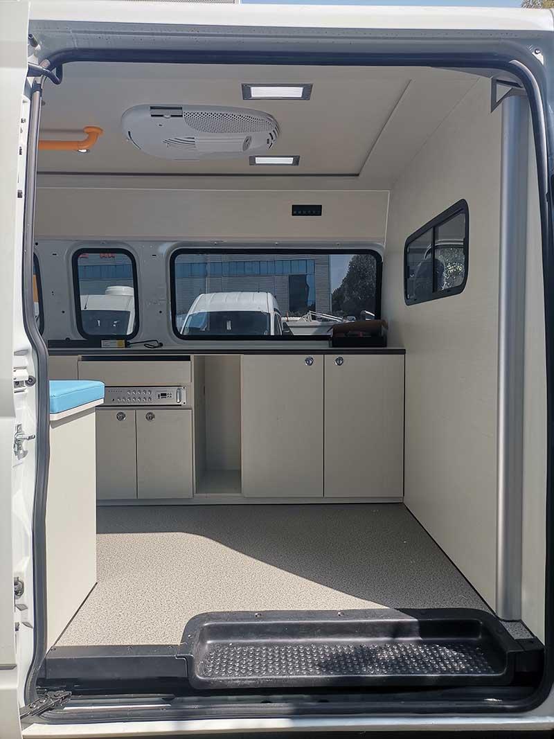 新款上汽大通V80流動體檢多功能檢測車圖片、功能齊全