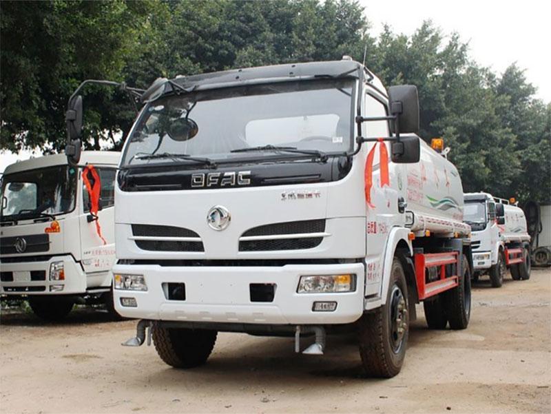 国五东风福瑞卡5吨洒水车