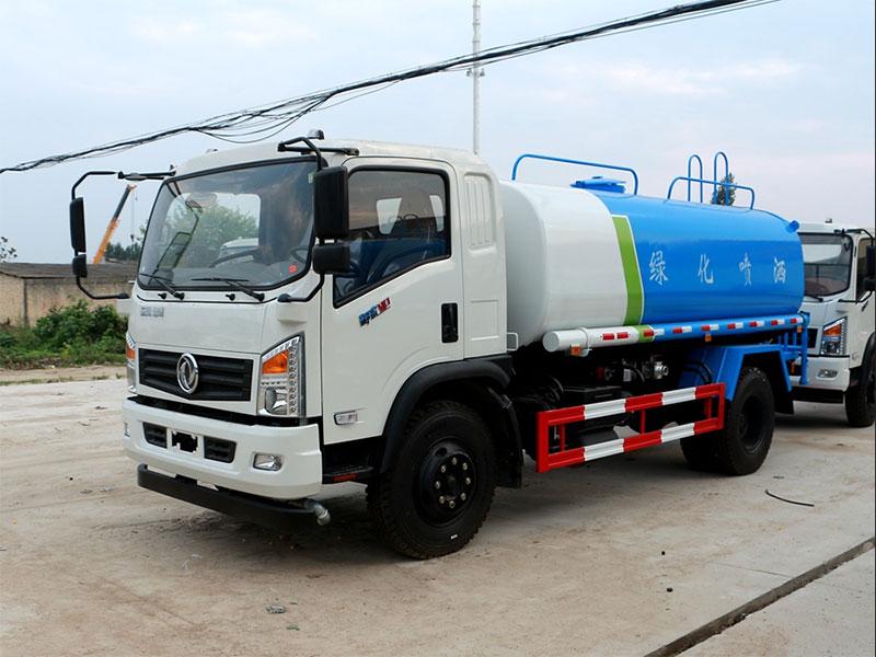國五東風御虎8.5噸灑水車