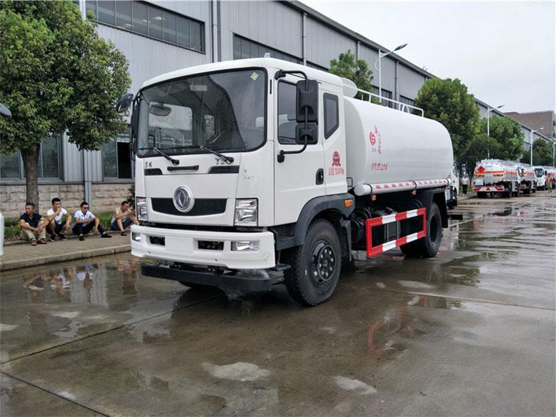 国五13吨东风御虎T3洒水车