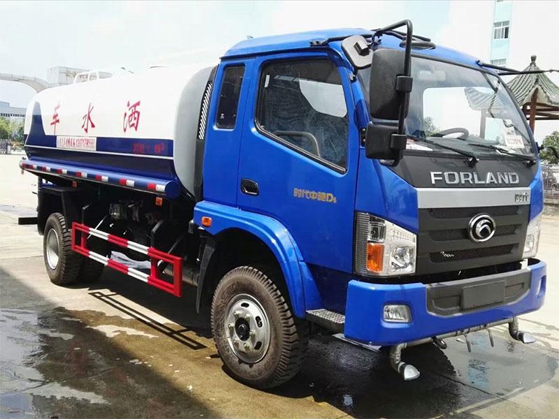 国五福田中驰9吨洒水车