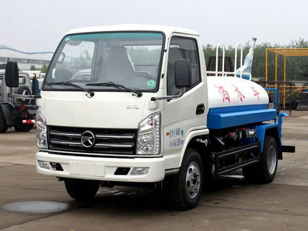 国五凯马2吨洒水车