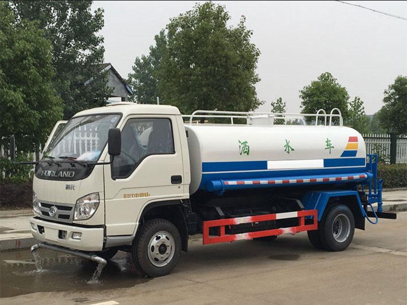 国五福田中驰5吨洒水车