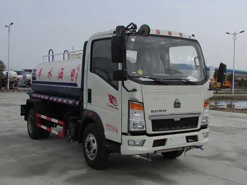 國五重汽豪沃5噸灑水車
