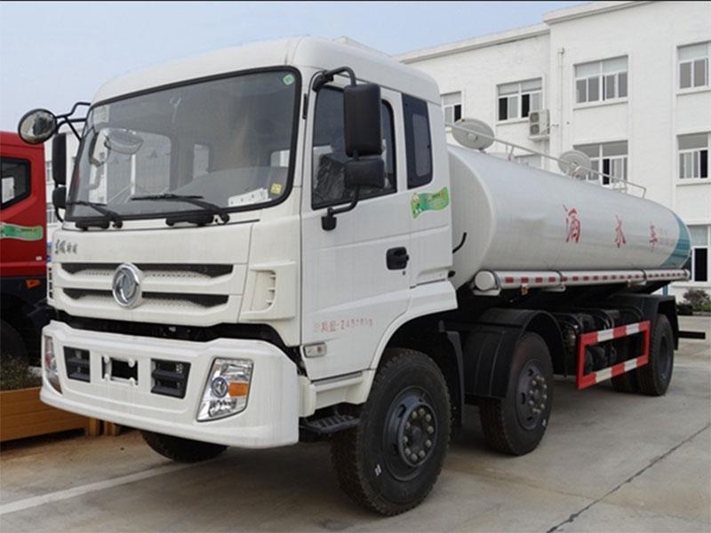 国五东风特商12吨洒水车