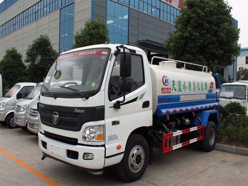 国五福田欧马可5吨洒水车