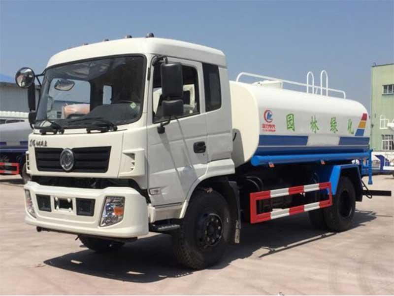 国五东风特商11吨洒水车