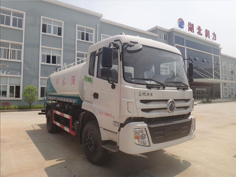 国五东风特商9吨洒水车