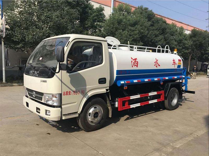 国五东风凯普特6吨洒水车