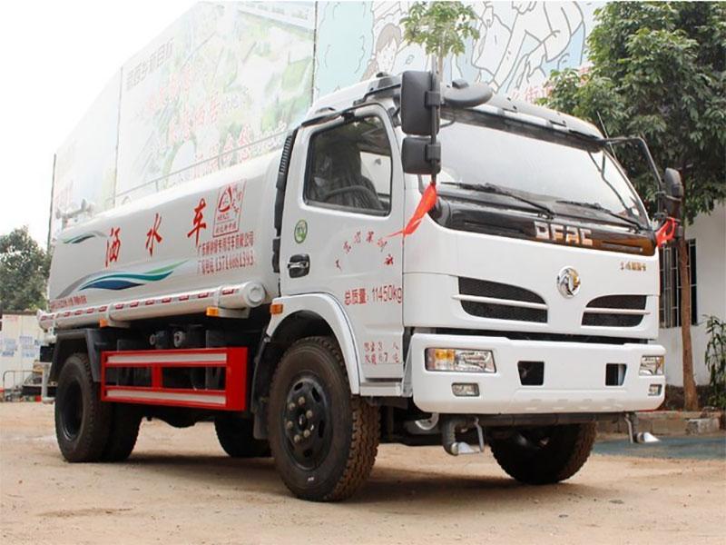 国五东风福瑞卡4吨洒水车