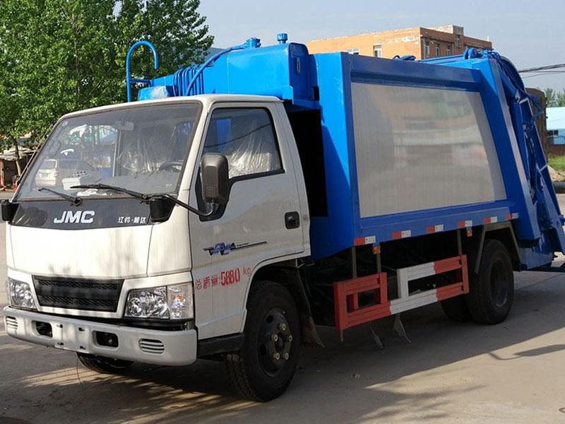 江铃顺达6方压缩式垃圾车