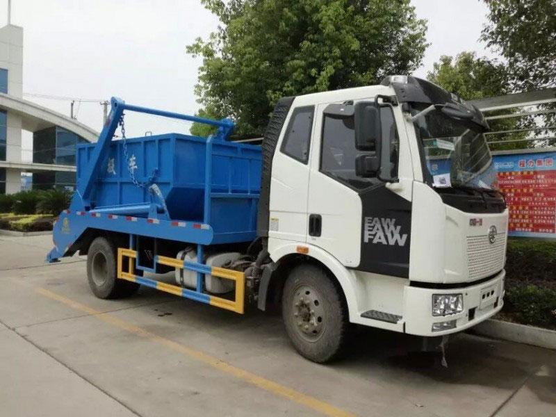 10方解放J6摆臂式垃圾车
