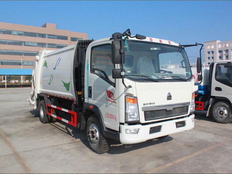 重汽豪沃8方压缩式垃圾车