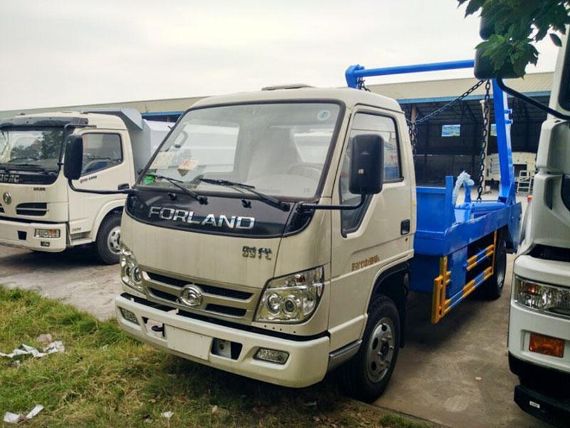 福田中驰4方摆臂式垃圾车