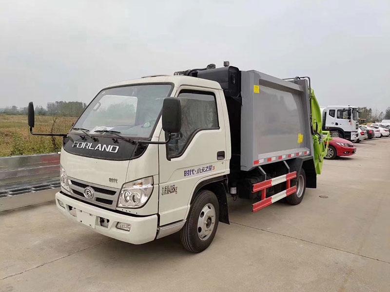 福田小卡之星4方压缩式垃圾车