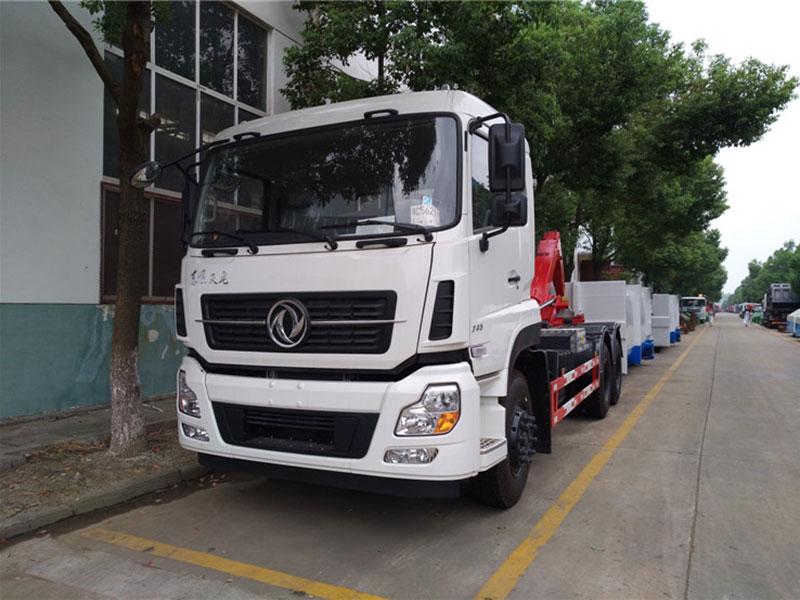 东风天龙16方勾臂式垃圾车