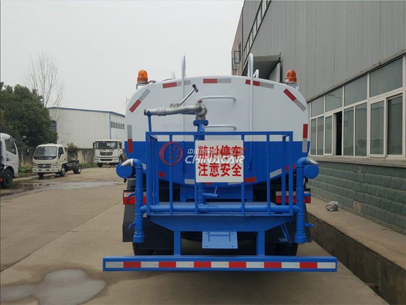 国五东风福瑞卡8吨洒水车实拍图片