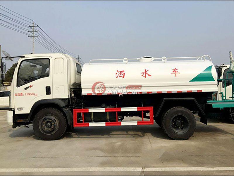 国五东风御虎5吨洒水车实拍图片