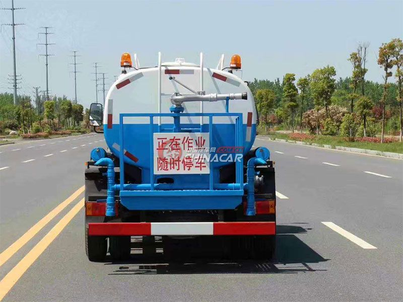 国五凯马5吨洒水车实拍图片