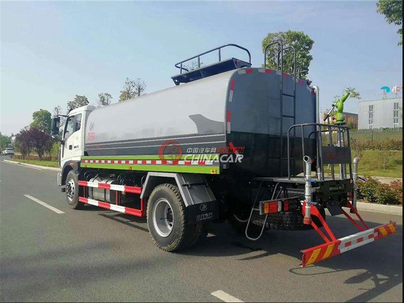 国五福田瑞沃8吨洒水车实拍图片