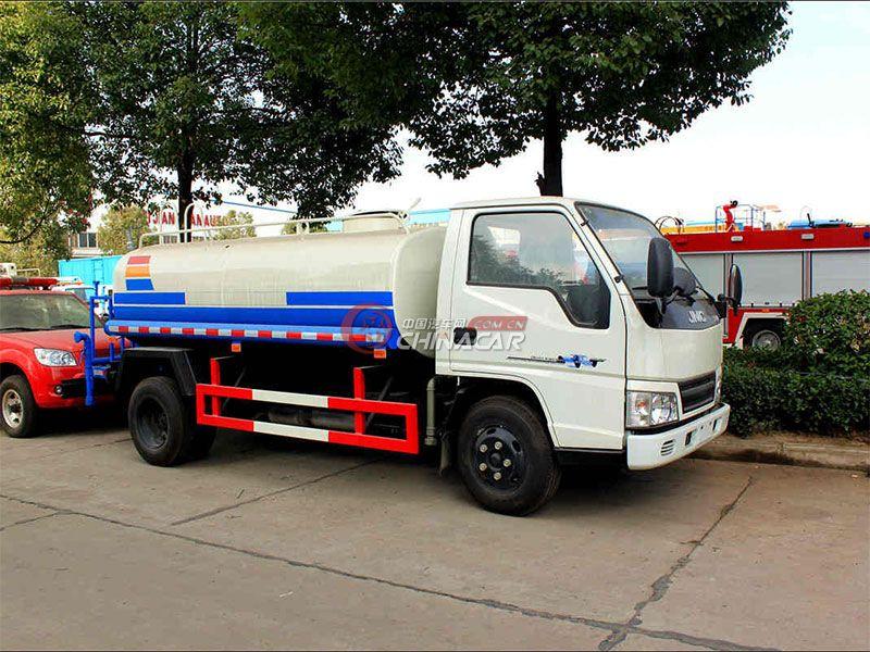 国五江铃顺达3吨洒水车实拍图片