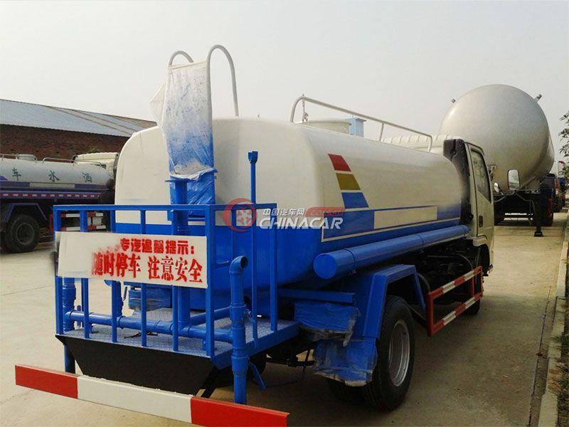国五东风锐铃2吨洒水车实拍图片