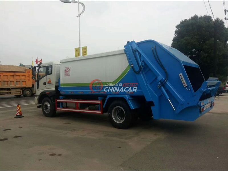 福田瑞沃10方压缩式垃圾车实拍图片
