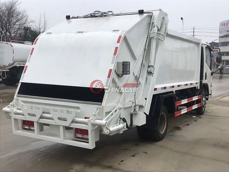 福田康瑞8方压缩式垃圾车实拍图片