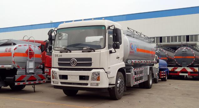 东风天锦12方油罐车