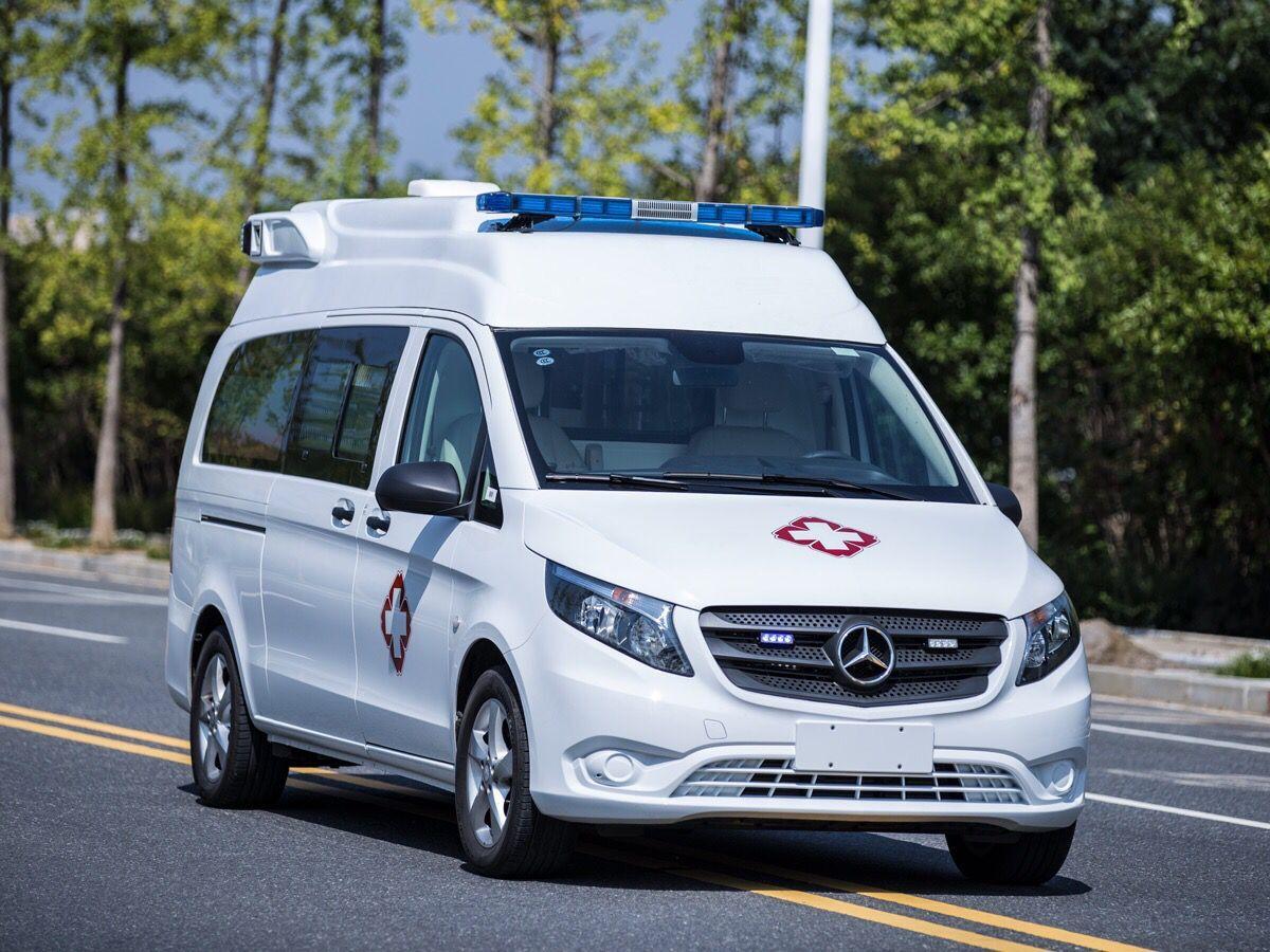 梅赛德斯-奔驰新威霆高顶监护型救护车