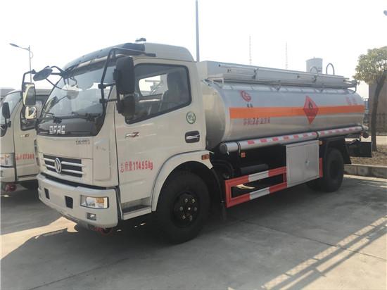 玉柴8吨油罐车热卖车型