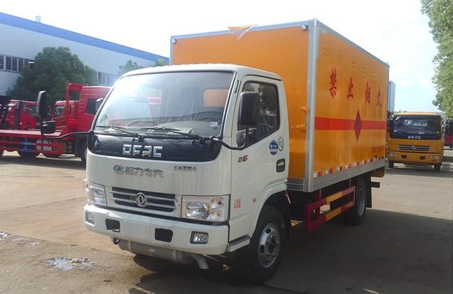 东风国五烟花炮竹爆破器材运输车价格