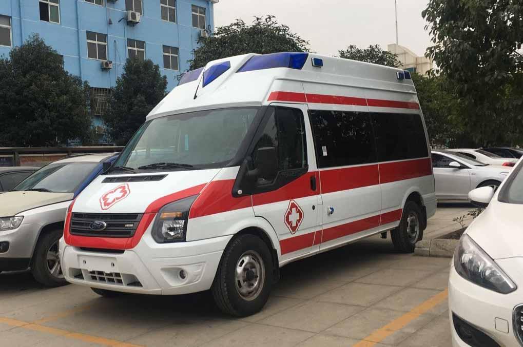 高端,大气,精致,三者结合把江铃新时代V348带上医疗救护车新台阶