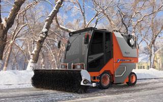 专用车厂家-同辉汽车 -2018年大事件-GB7258新规|同辉汽车多个功能城市扫雪机|多功能扫雪车上市