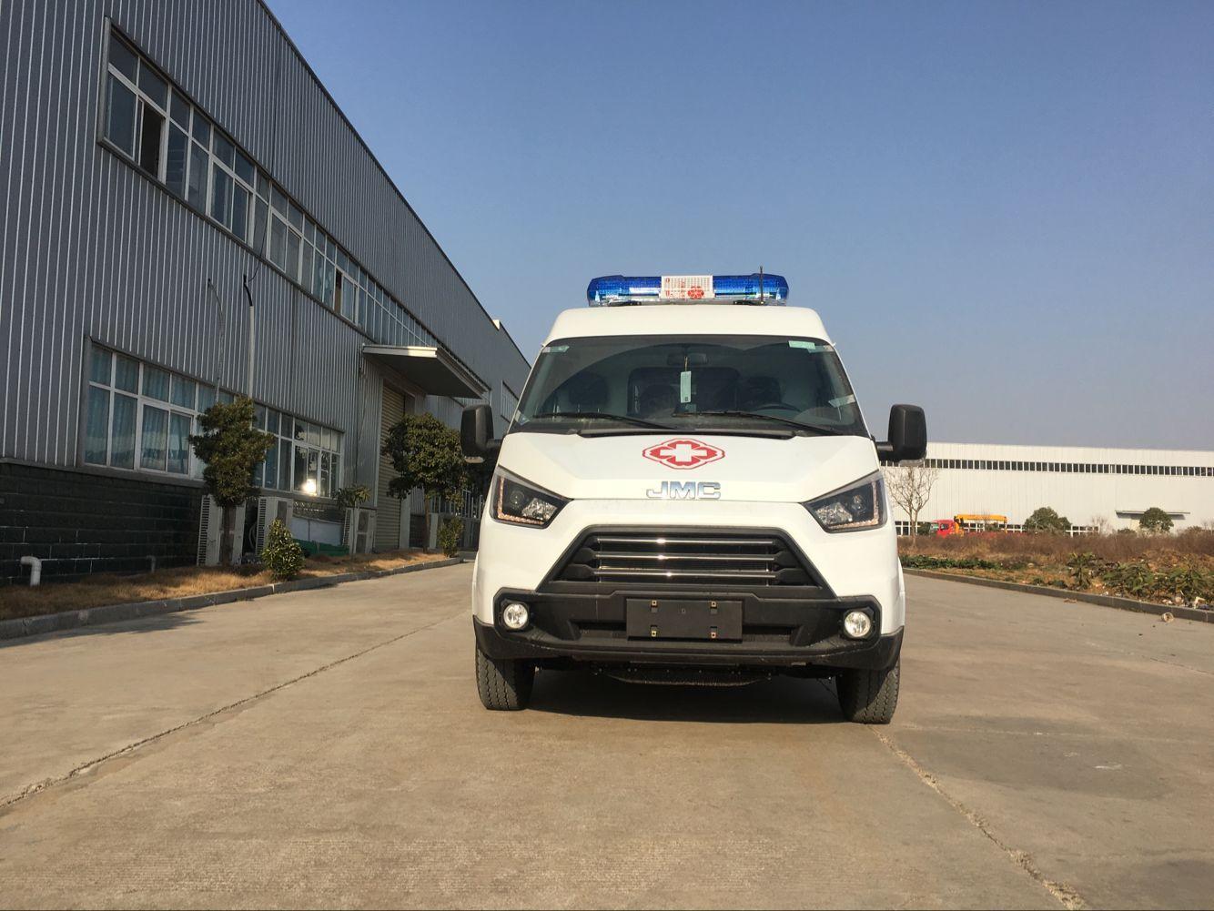 又一台江铃特顺短轴转运型医疗救护车今天发车