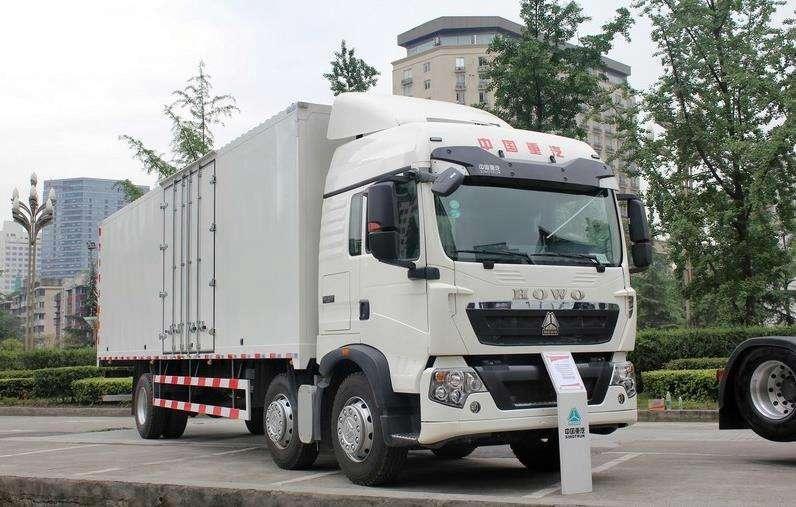豪沃T5G  9.6米载货车,豪沃9.6米厢车