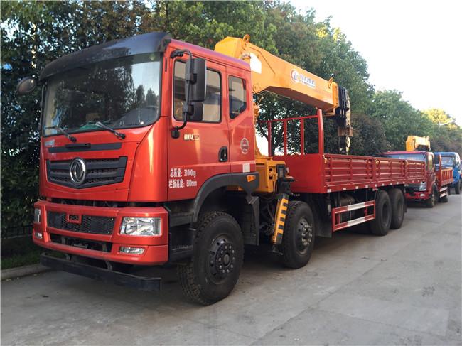 拉挖机的随车起重运输车可拉25吨至35吨30吨28吨20吨