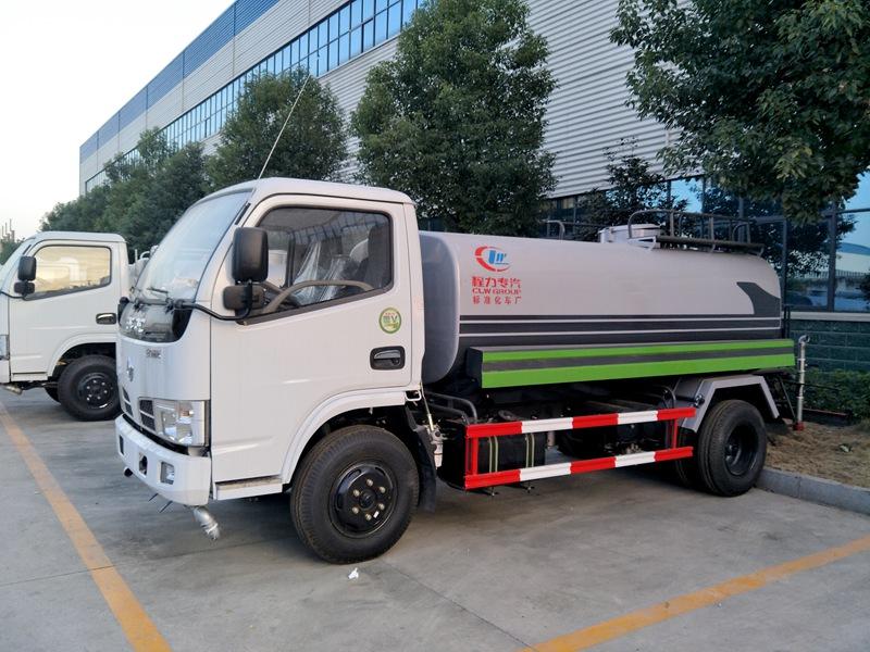 程力5吨洒水车在哪里买、5吨洒水车有哪些车型、5吨洒水车多少钱